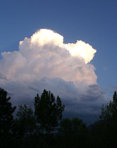 http://habitablezone.com/wp-content/uploads/2011/05/cloud.jpg
